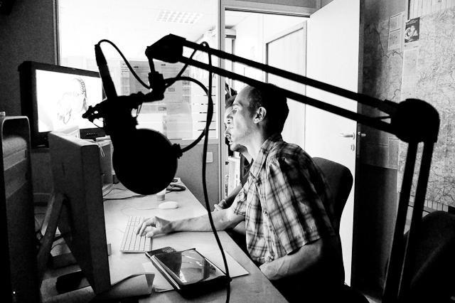 Frederic Bernheim, former correspondent for TF1, in the edit booth